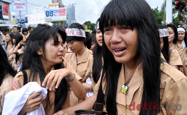 Radar Sukabumi di Demo Karena Ribuan Siswi Diberitakan Tak Perawan