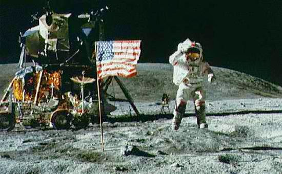 Armstrong, Collins and Aldrin on the moon - Apollo 11 expedition