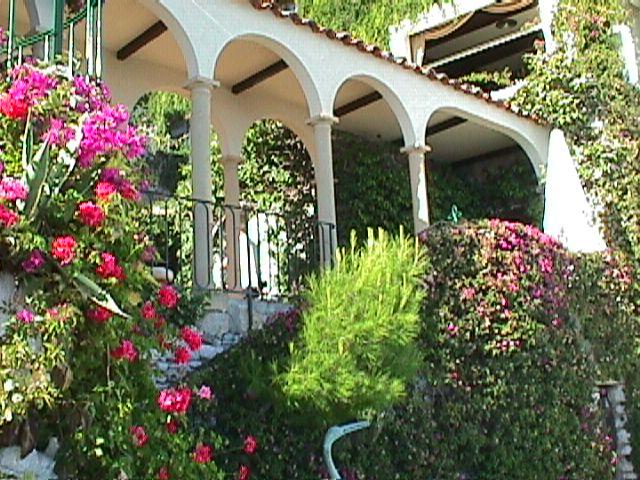 Chateau choices france peg 39 s top picks a travel for Cafe du jardin eze