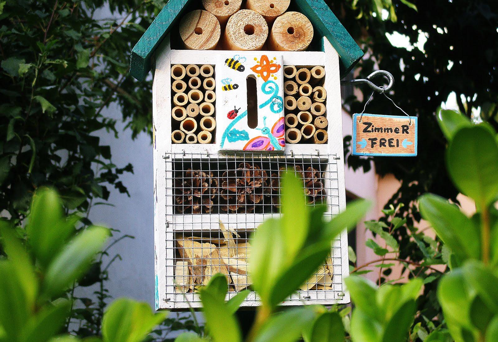 jaimees welt zimmer zu vermieten f r krabbelk ferfamilien wir bauen ein insektenhotel. Black Bedroom Furniture Sets. Home Design Ideas