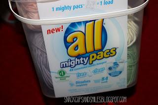 re-purposing a laundry detergent bucket into yarn storage