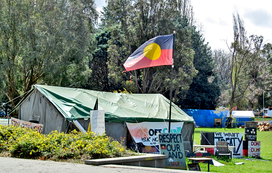 Tent Embassy & Daily Photo Canberra: Tent Embassy