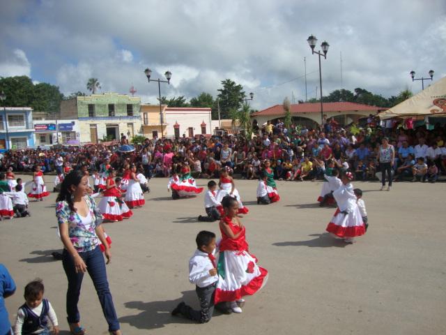 Pnetc campeche conmemorando 101 aniversario de la for Alberca 20 de noviembre campeche