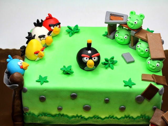 Birthday Cake in London Angry Birds - London Cakes