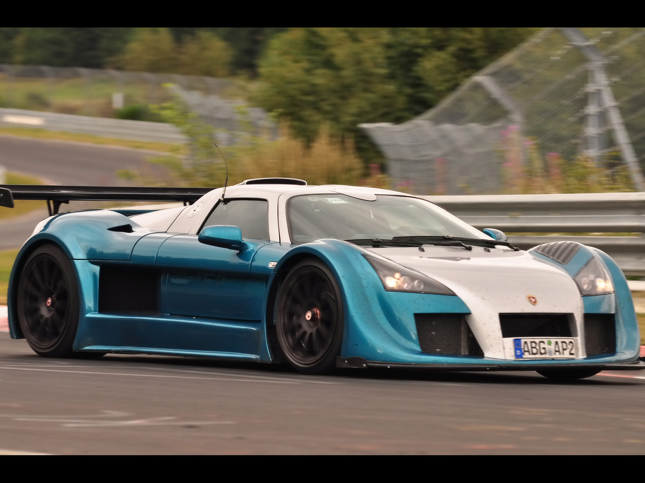 http://3.bp.blogspot.com/-j1kjPQEDeWM/TnkcHBFNyYI/AAAAAAAAEec/jLclYQ5WrJ8/s1600/2009-gumpert-apollo-sport-nurburgring-lap-record-front-and-side-speed-1280x960.jpg