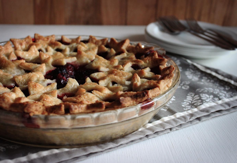 The Busty Baker: Blackberry Pie
