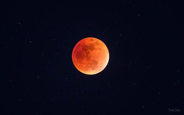 Blood Moon Total Lunar Eclipse September 2015 - Trevor Jones