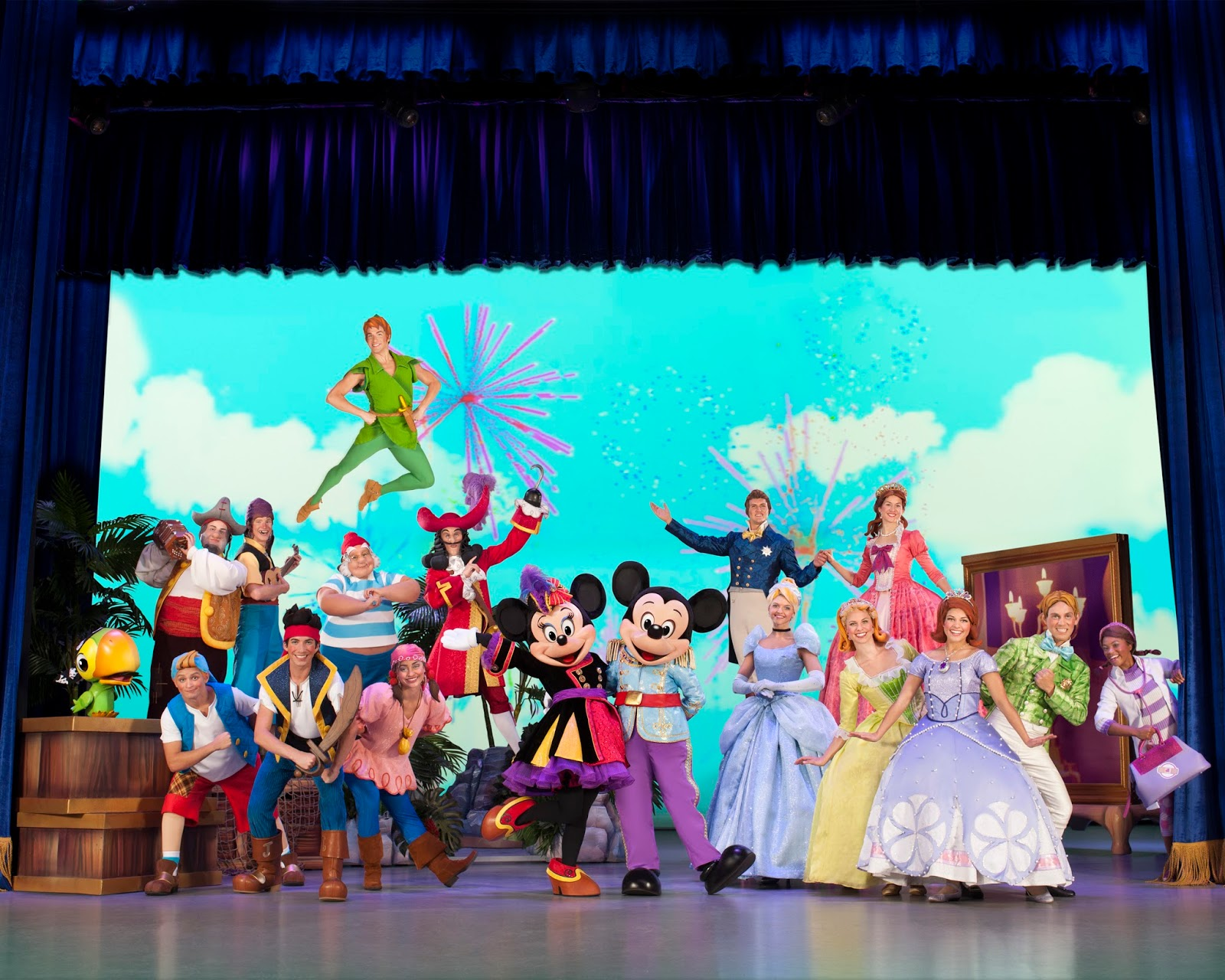 The cast of @DisneyLive Pirate & Princess Adventure