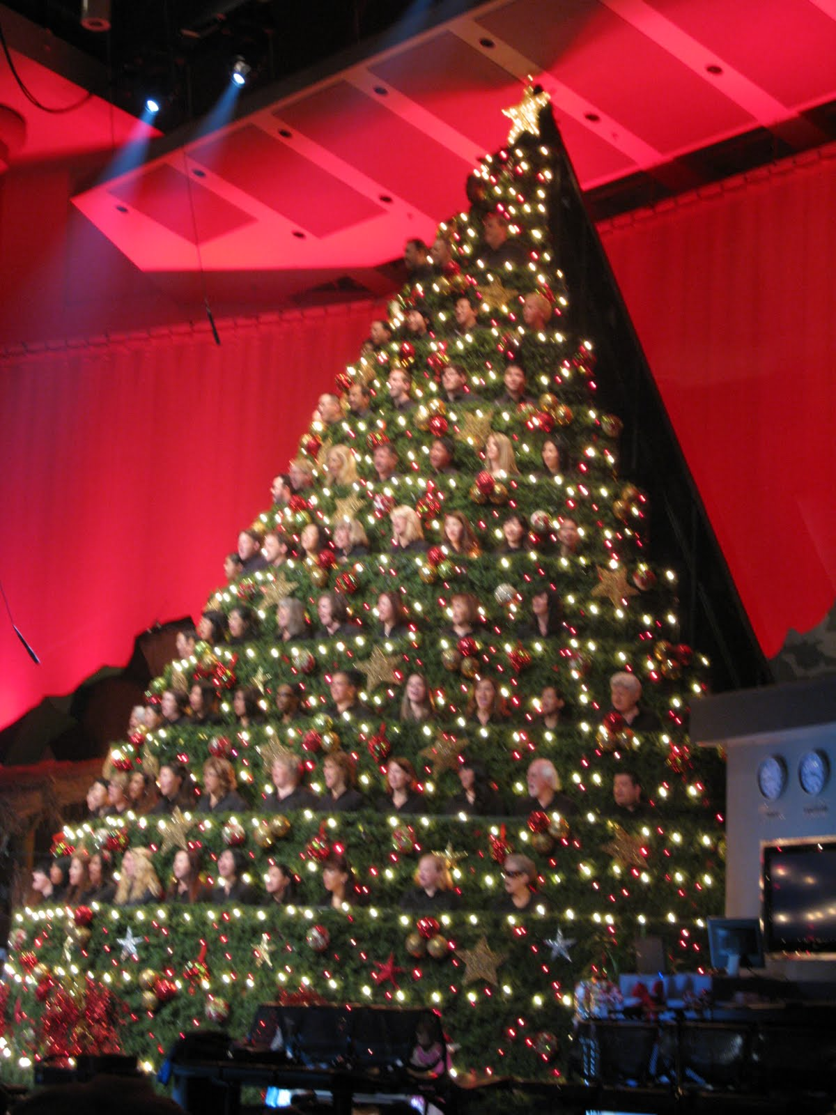 C2C: Singing Christmas Tree