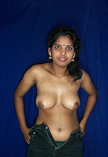 Aunty bathing nice tits - XVIDEOSCOM