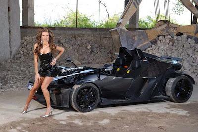 Елена Станулова стопи цицата си с маша