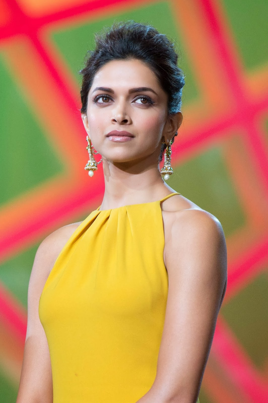 Deepika Padukone Facts And New Pictures 2014 | Beautiful World ...