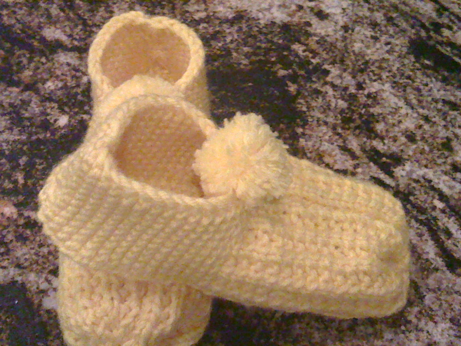Slipper Patterns Knitting : Mosier Farms: Rounded Heel Knitted Slipper Pattern