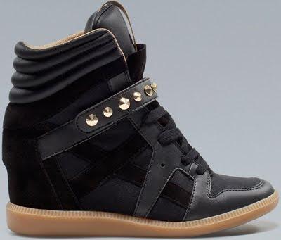 sneakers con cuña Zara