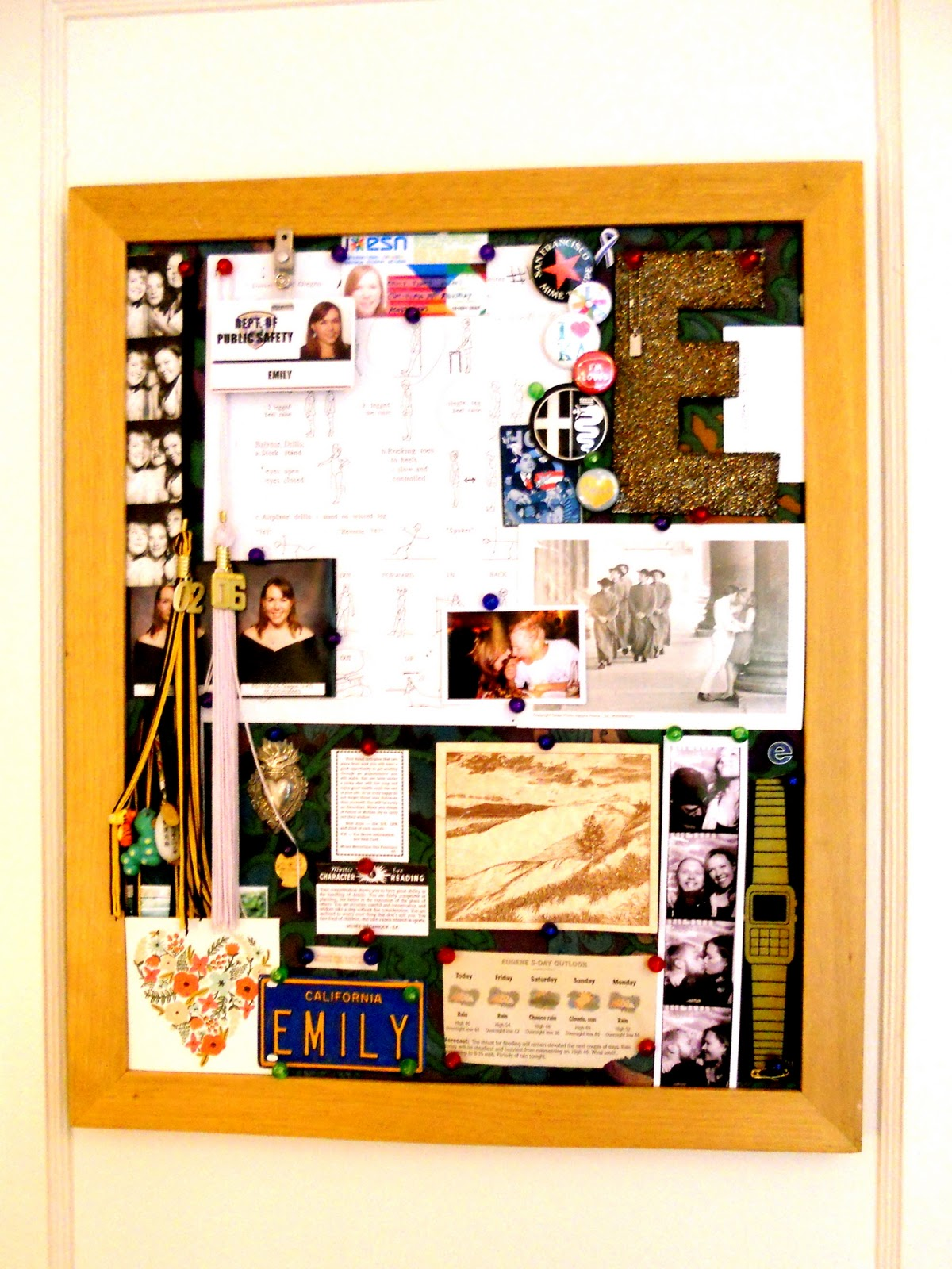 Feeling crafty a diyed bulletin board turned jewelry for Bulletin board organizer
