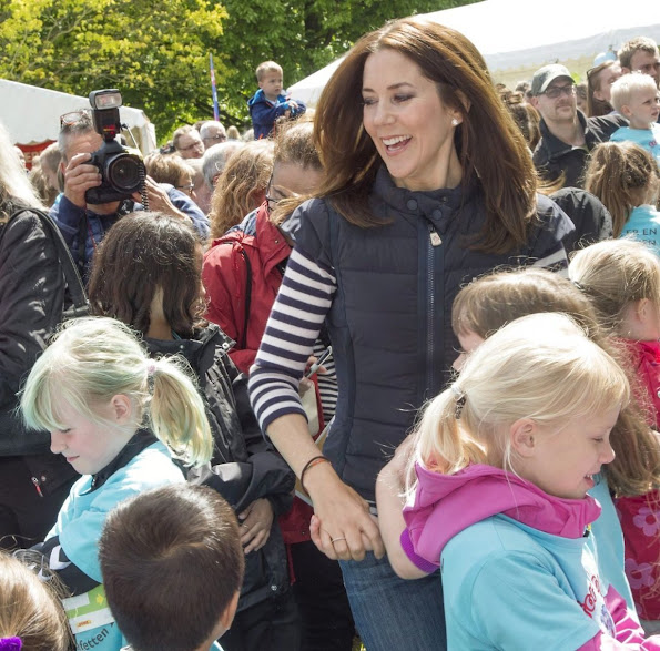 Crown Princess Mary of Denmark participates in Crown Princess marys 's Foundation's children's relay race (Børnestafet) against bullying in the Botanical Gardens in Aarhus