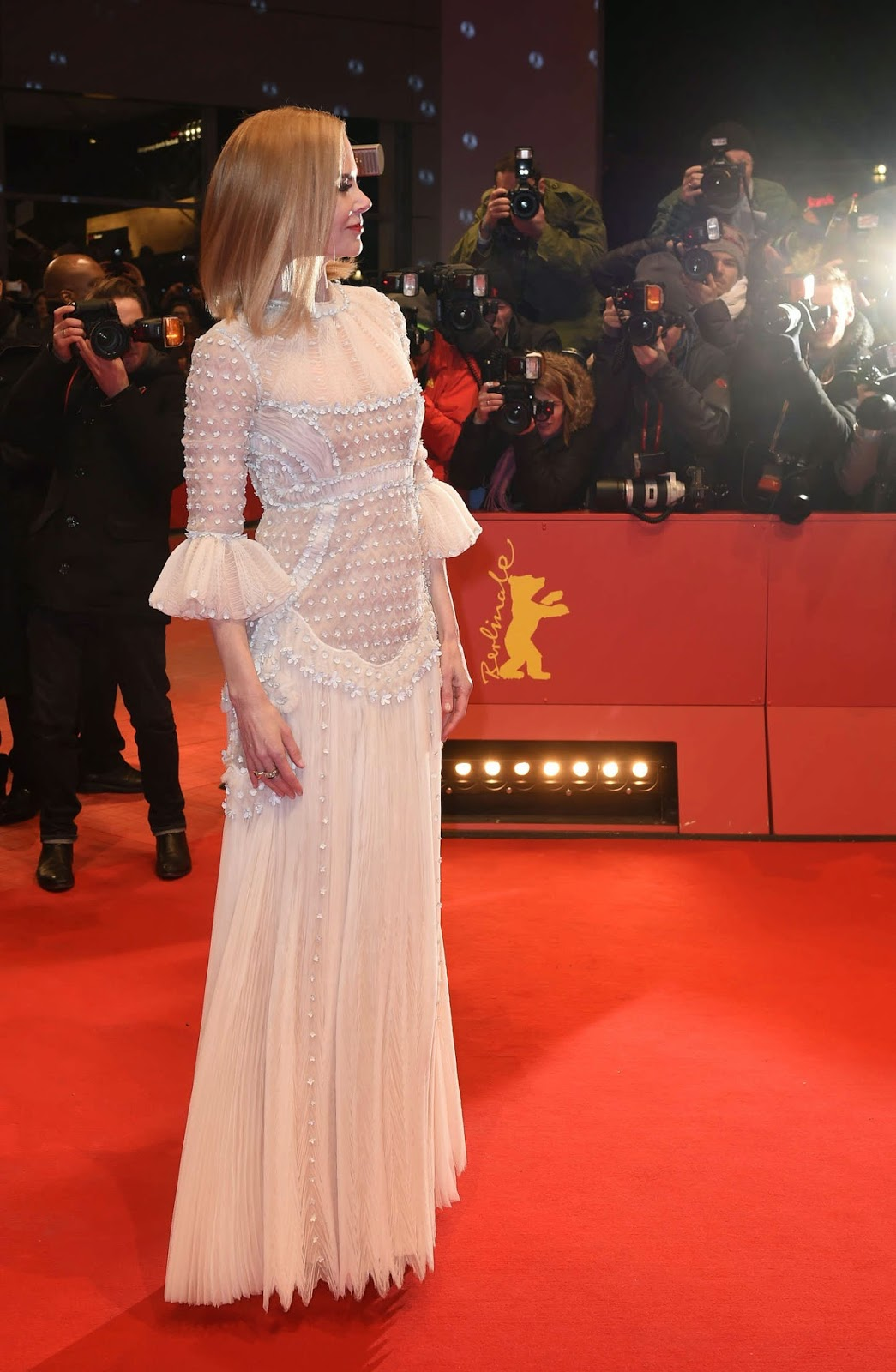 Nicole Kidman wears a Valentino Couture gown to the 'Queen of the Desert' Berlin premiere