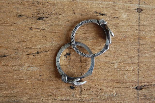 https://www.etsy.com/listing/175672627/vintage-1940s-gimmel-fede-ring-fede?ref=shop_home_active_1