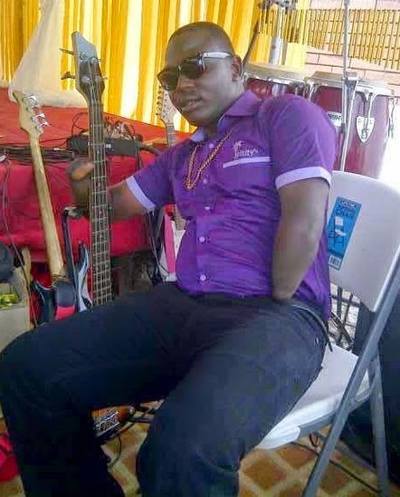 nigerian guitarist without fingers