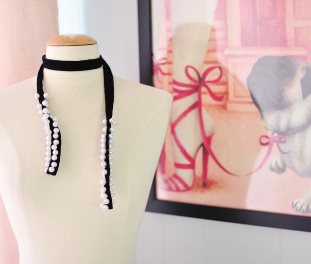 DIY pearl velvet ribbon choker necklace