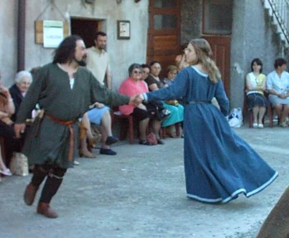 figura 1 danza medioevale