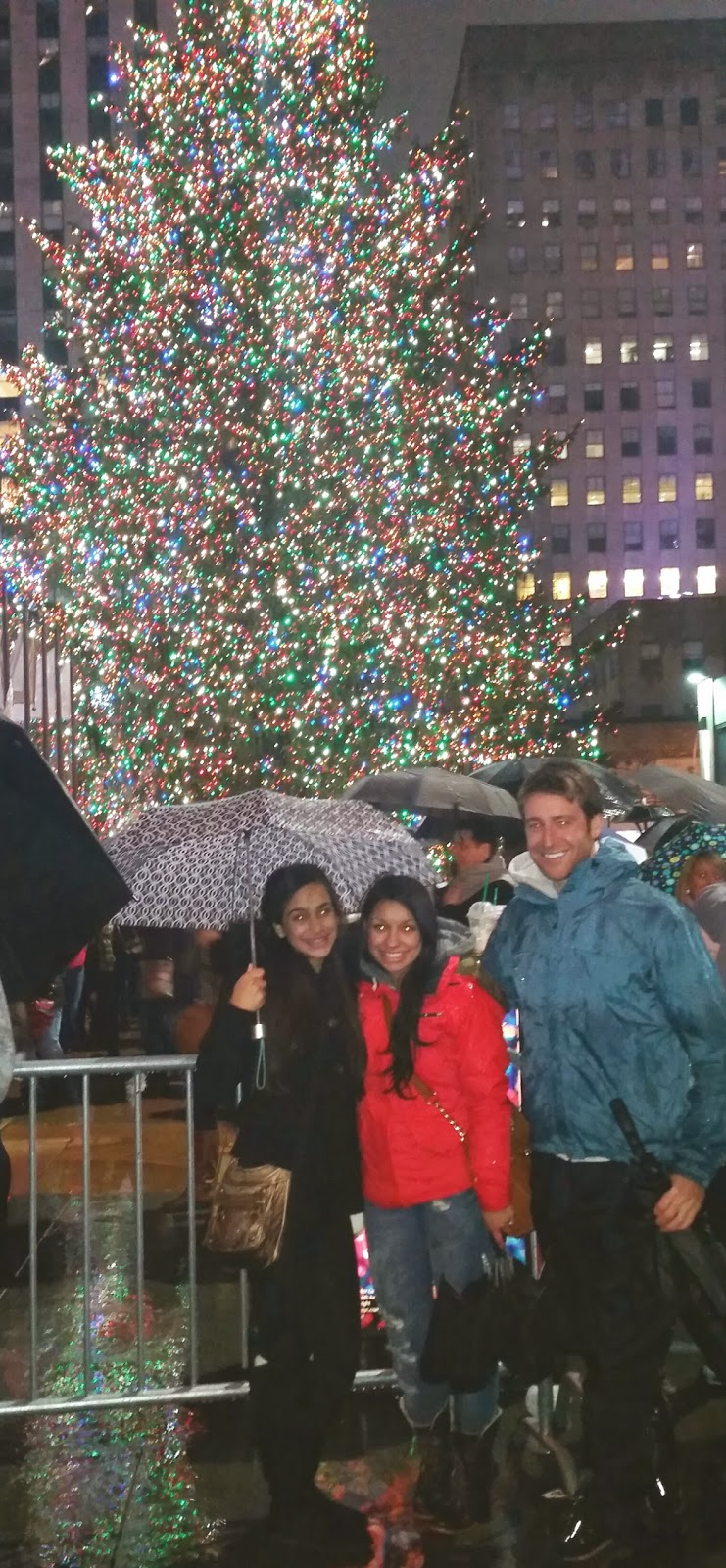 Rockefeller-Center-NYC-Christmas-Tree-Travel-the-East