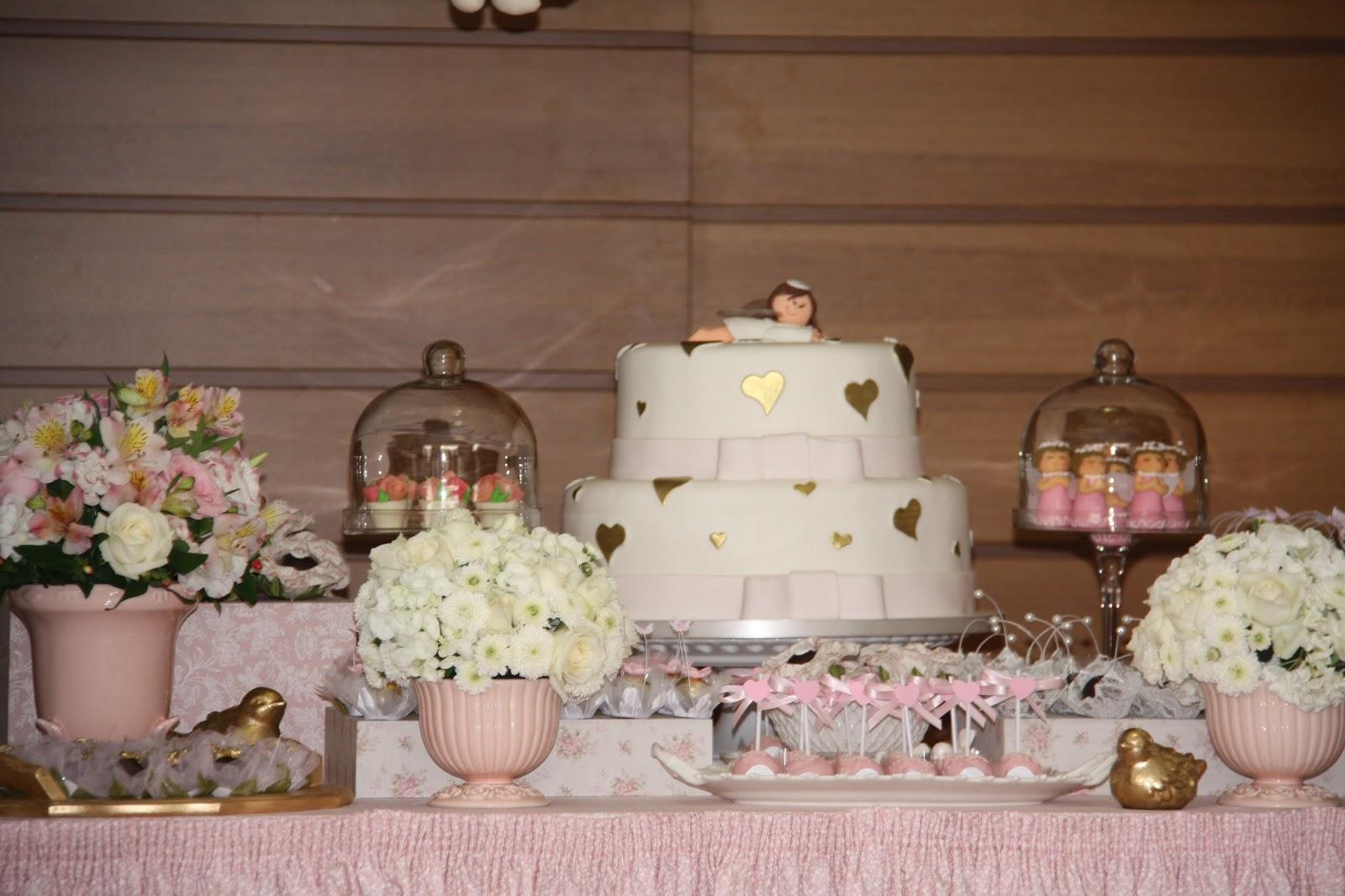 decoracao tudo branco:Festejar é tudo de bom!: Batizado da Helena Branco, rosa e dourado