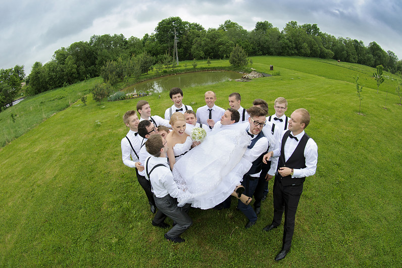 vestuvių fotografija gamtoje