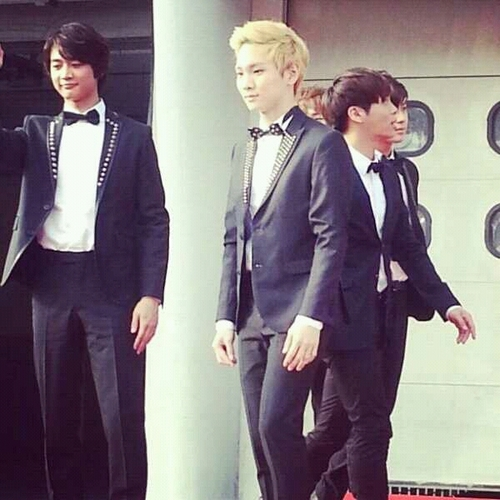 Pics and fancams of Shinee at the 2013 Golden Disk Awards