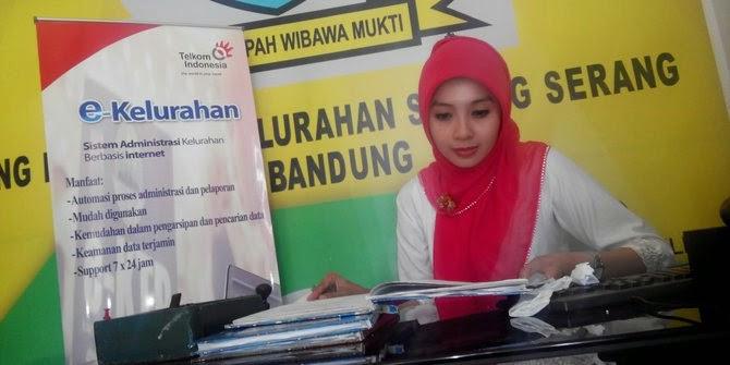 Ratna Rahayu Lurah Cantik Berprestasi di Kota Bandung