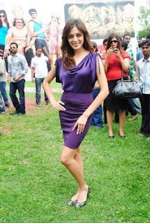 Parvathi Melton in purple dress    com 1382936394642f4043f3a5506bd42db18f16916f