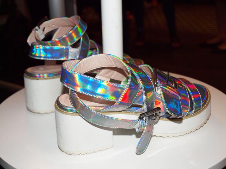 sandales à talons argentées 3 Suisses