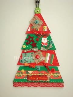 árvore de natal diferente feita de cartolina
