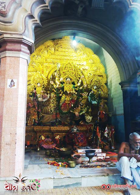 Ama Medha: Chhatra Bazar, Cuttack Durga Medha 2015 - Photo By Ashutosh Tripathy