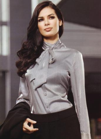 Modelos de blusas com tecidos transparentes