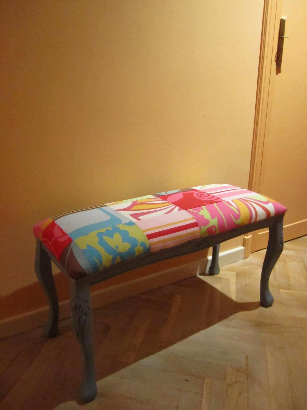Naifandtastic decoraci n craft hecho a mano restauracion muebles casas peque as boda cosas - Como tapizar una descalzadora ...