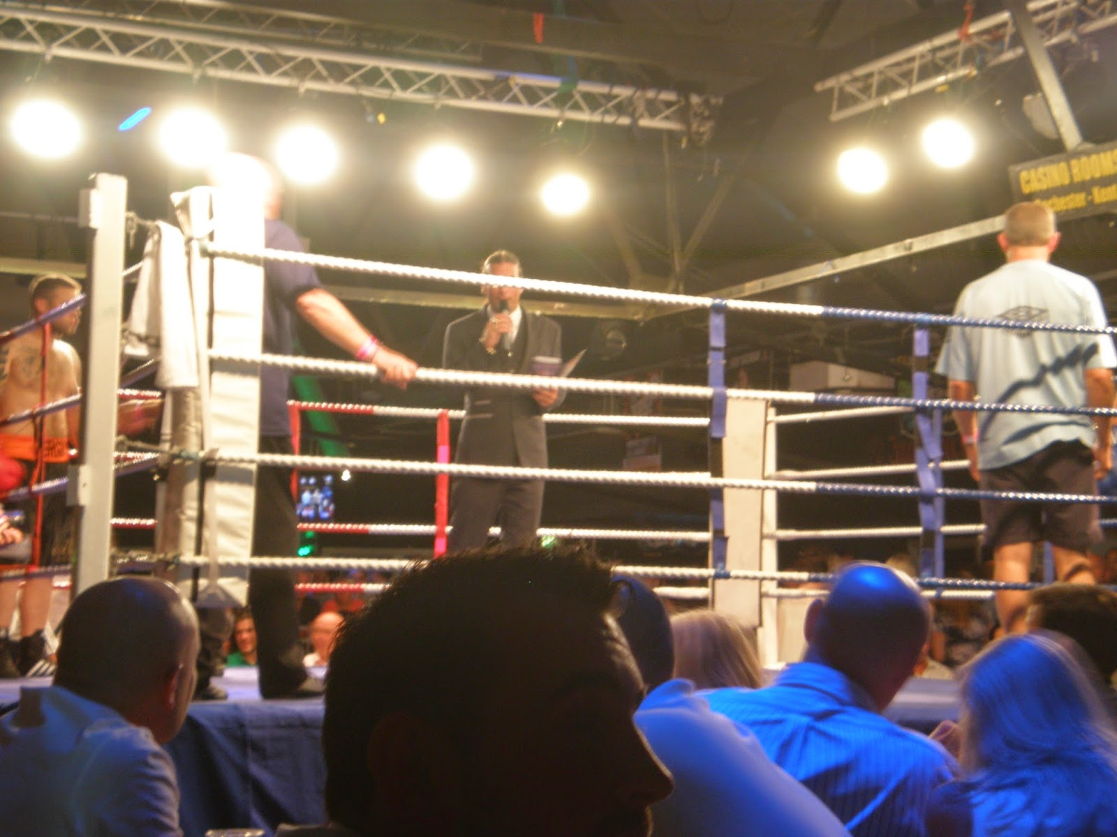 casino rooms rochester boxing