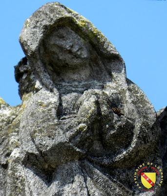 DOLAINCOURT (88) - Calvaire de l'église