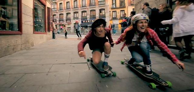 Chicas con su longboard
