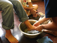 http://3.bp.blogspot.com/-j5JvYzbydXI/TbKb7LU2q6I/AAAAAAAAADQ/DtemylH0RNg/s1600/lavar-los-pies.jpg