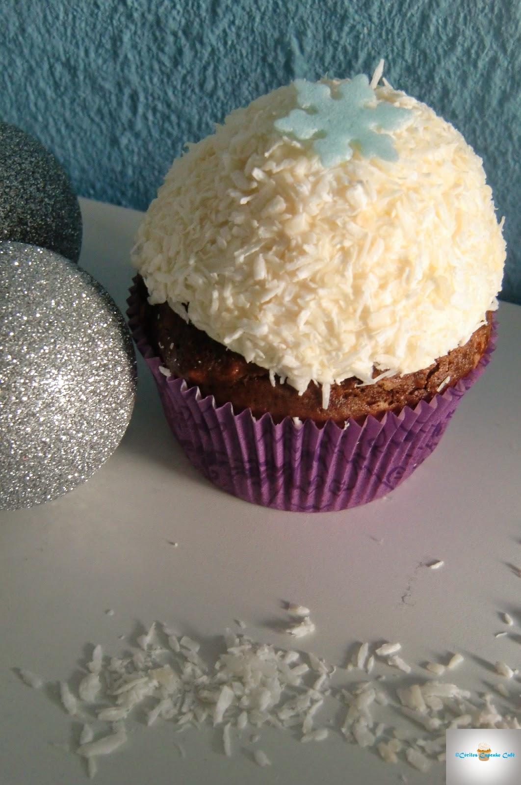 http://cecilecupcakecafe.blogspot.de/2015/01/schoko-kokos-schneeball-cupcakes.html