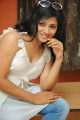 Shweta glam photos stills-thumbnail-12