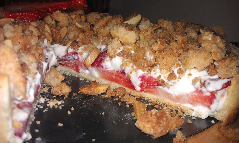 Girl + Food = Love: Strawberry Cream Cheese Crumble Tart