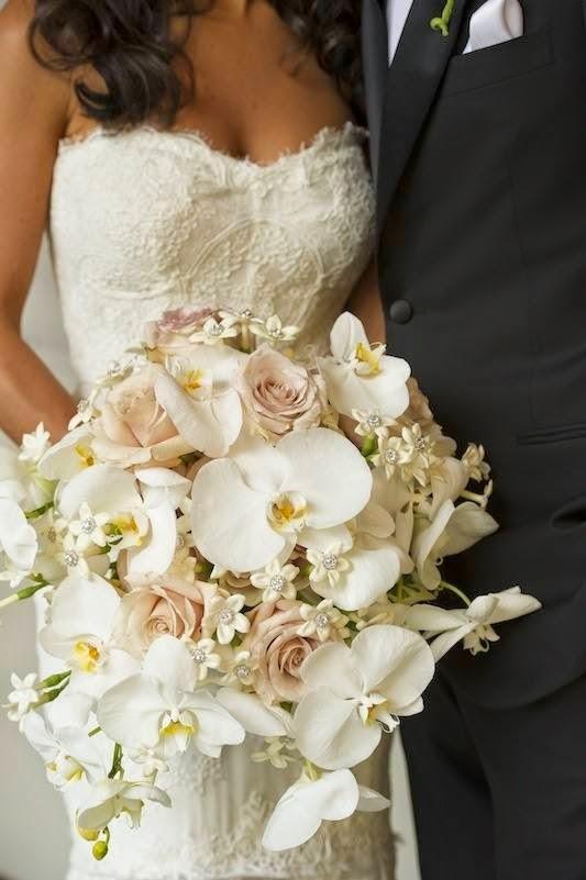 Molto Come abbinare il bouquet all'abito da sposa e TANTE IDEE per il  WV99