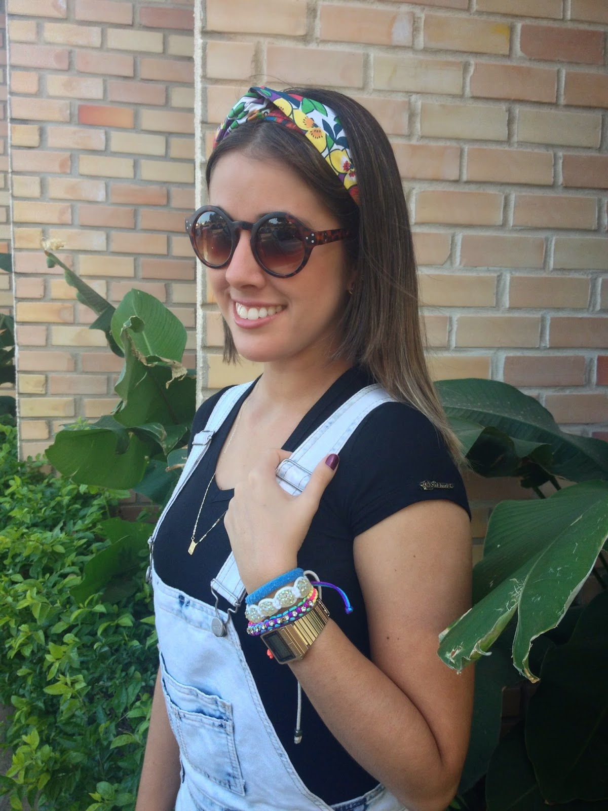 Bandana  Miss Bella   Óculos  Bazar Futuro   Camisa  Sem marca...    Macacão  Ripley   Alpargata  Hang Loose 64b28116eb