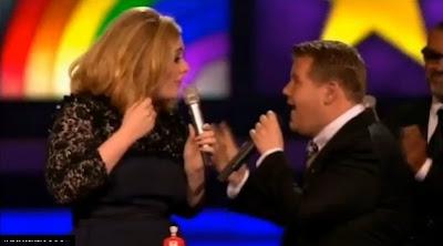 interrumpen discurso de adele y ella muestra el dedo medio