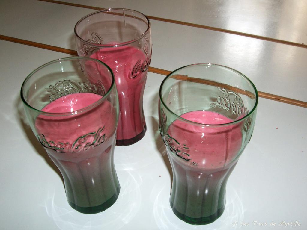Voir la recette : milk-shake au yaourt et à la framboise