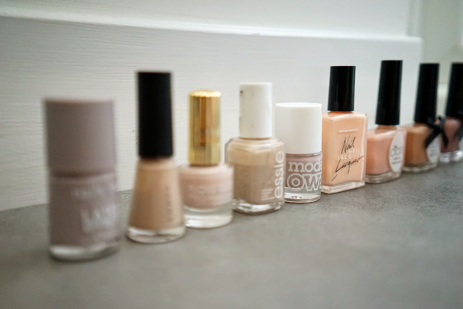 top nude nails