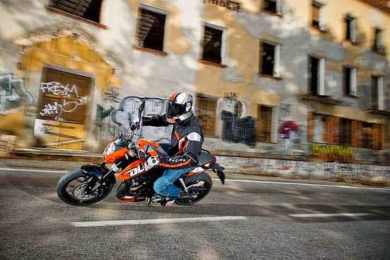 2015 KTM 200 Gallery