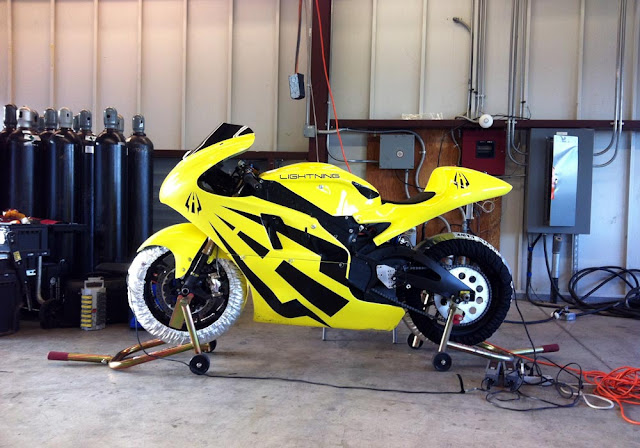 2012-Lightning-Motorcycles-www.hydro-carbons.blogspot.com-Exclusive -street-bike-2